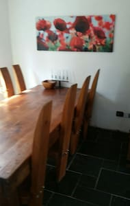 Lovely  double room in Moseley.