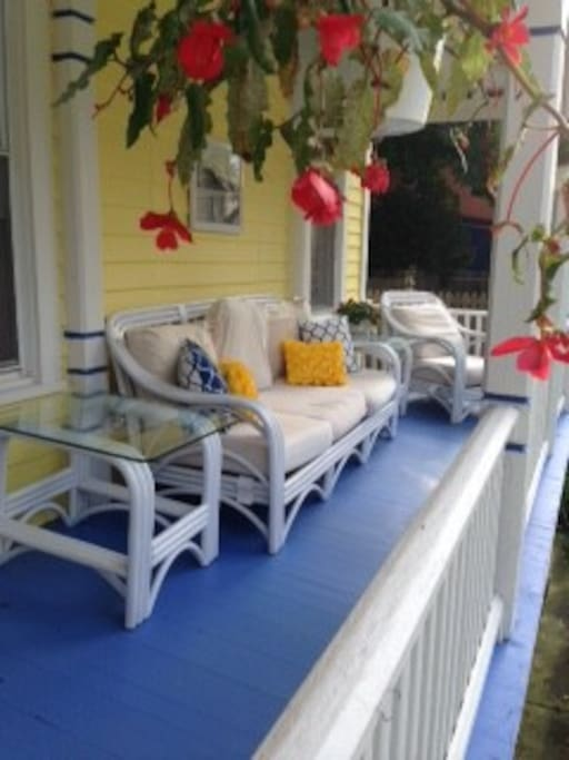 Enjoy Drinks on the front porch.  A Saratoga Tradition!