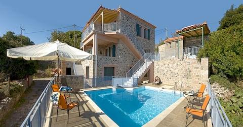 Petrini Krini, Luxury Apartment 2