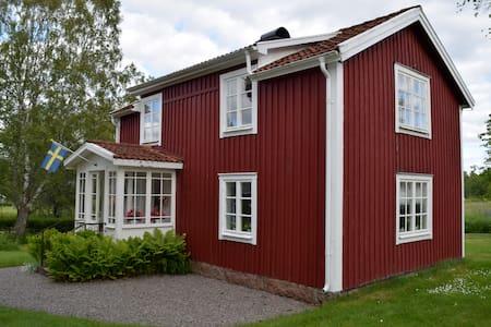 Källäng, knus en oud huis in Zweden - Björköby