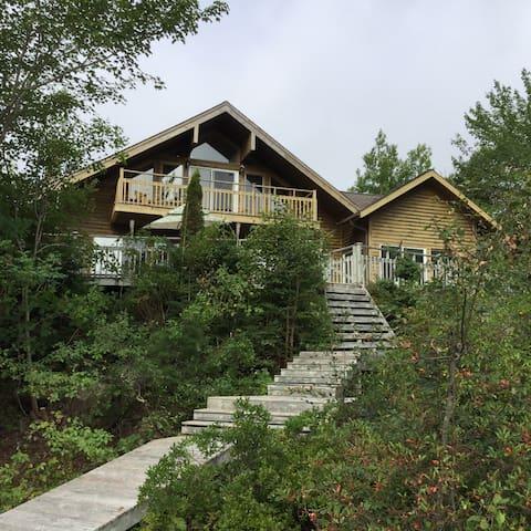 Riverside Log Cabin Retreat ~ a tranquil escape - Port Medway - Nature lodge