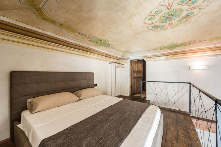 Charmin' Genoa - Historical House - Corner Suite