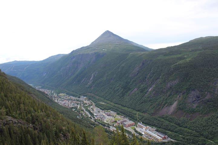 Rjukan og Gaustadtoppen