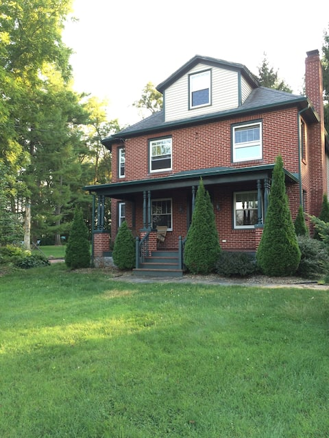 Friendly Farmhouse for Rent