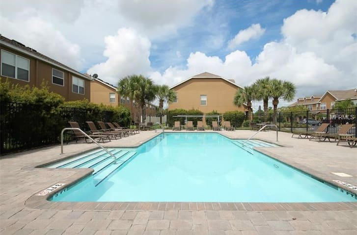 Beautiful Newly Built Townhouse (Clearwater/Largo)