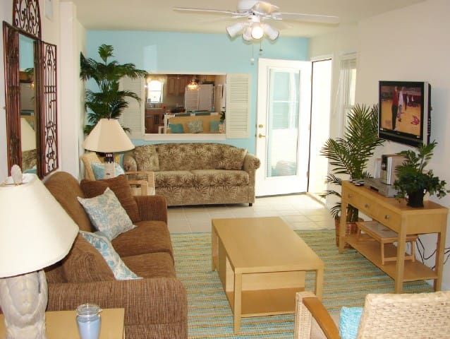 Oceanfront Beach Hideaway Penthouse - North Wildwood - Appartement