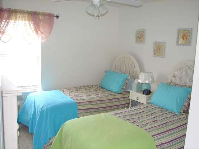 Great light with town views to the water tower. Twin beds, HDTV, dresser and closet.