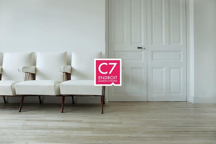 C7Endroit - maison d'hôtes Padirac - Miers - Bed & Breakfast