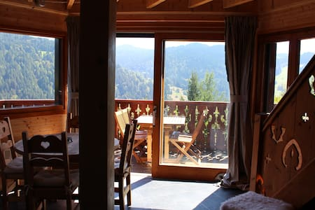 Cosy Chalet with stunning views - 莱斯盖兹(Les Gets) - 牧人小屋
