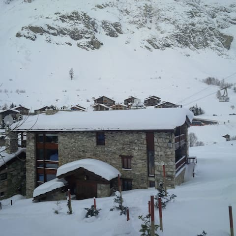 One bedroom flat in alpine chalet - Le Fornet (old village) - Apartment