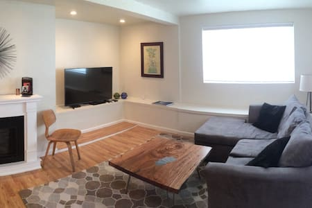 Ultimate Work / Travel Space - Emeryville
