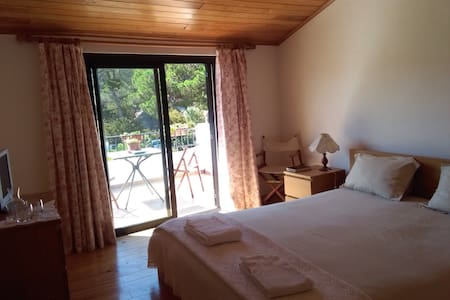 Countryside and beach house - Colares - Ev