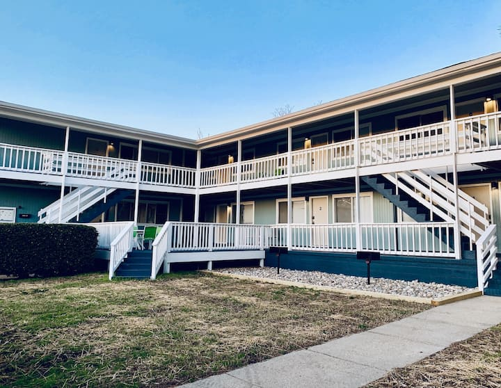 Little Bay Hideaway - 9  (Monthly Rentals Available)