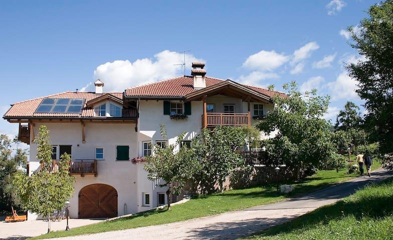 Gemütliche Ferienwohnung in Montan - Montan - Lägenhet