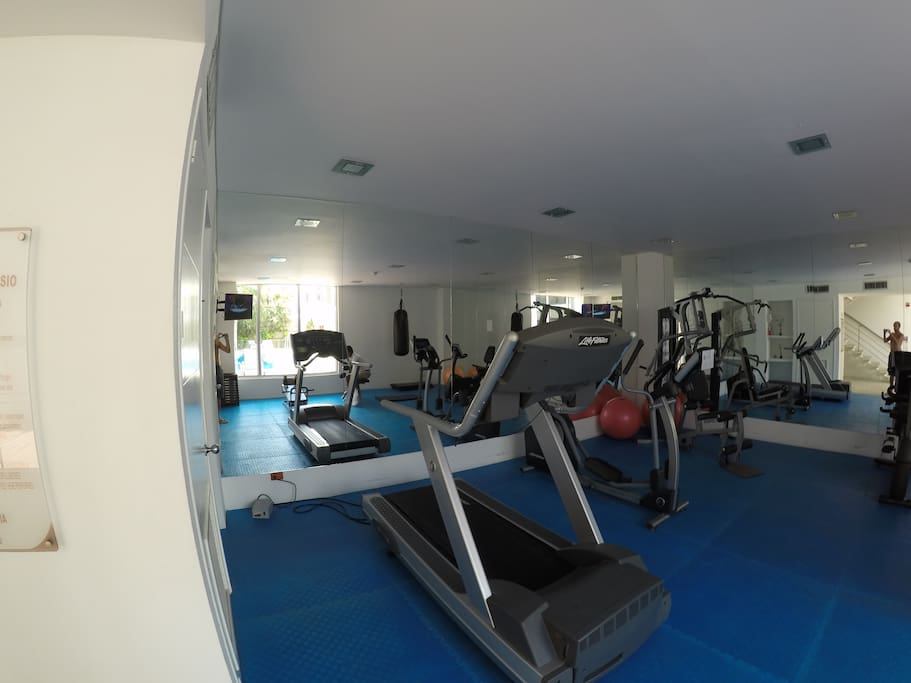 Gym with punching bag, sauna & turkish bath on the 2nd floor and indoor and outdoor jacuzzis on 3rd and 4th floor.