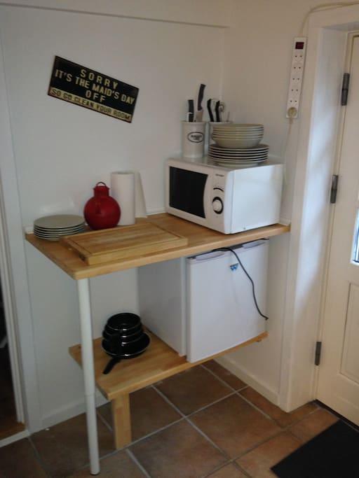 Mikroovn og køleskab