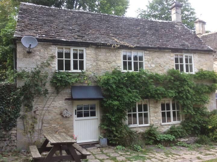 Lower Manor Cottage