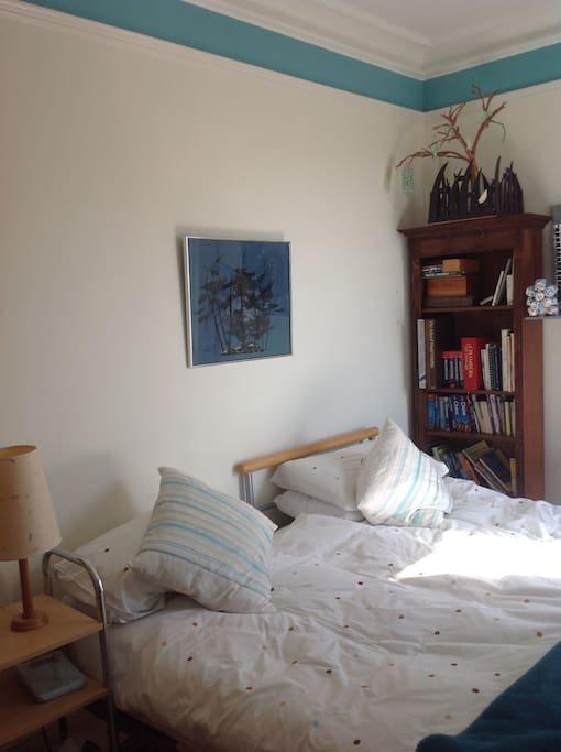 Double room with two beds bed breakfasts for rent in for Beds exmouth