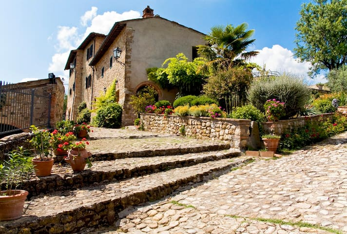 Cottage Pino in hilltop Castle - Montespertoli - Leilighet