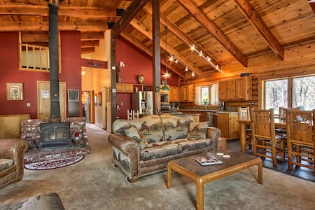 Shanks' Log Home in the Woods - Mariposa - House