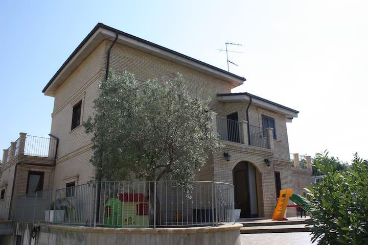 Vasto Villa Punta Aderci's Riserve - Vasto - วิลล่า