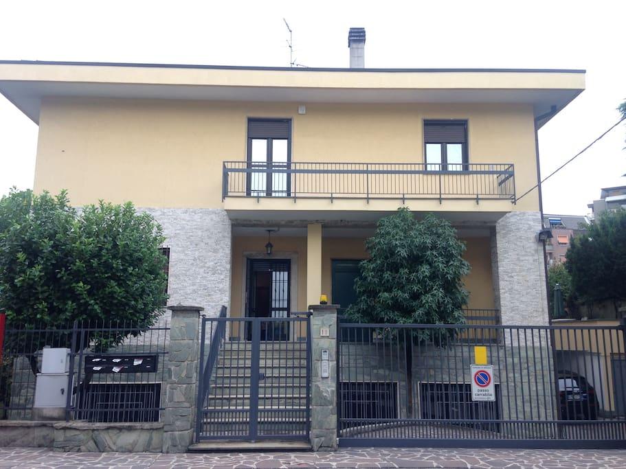 INGRESSO Villetta Bifamiliare / Main entrance