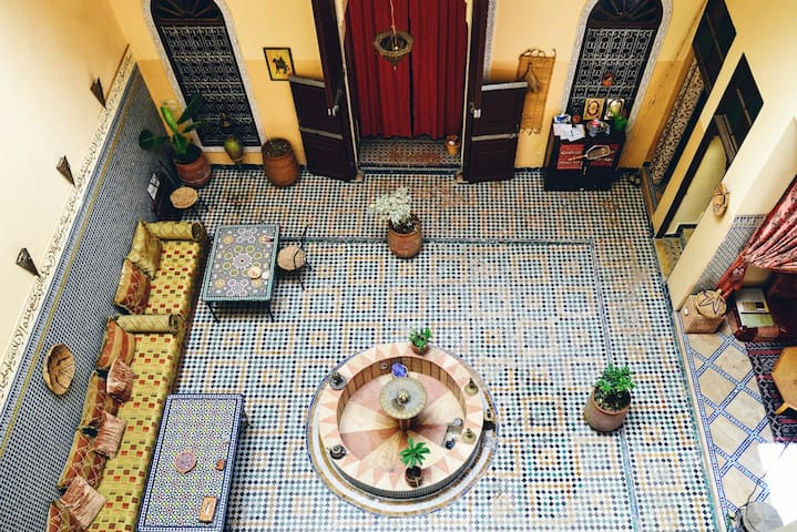 Lovely affordable room in nice riad - Fes - Huis