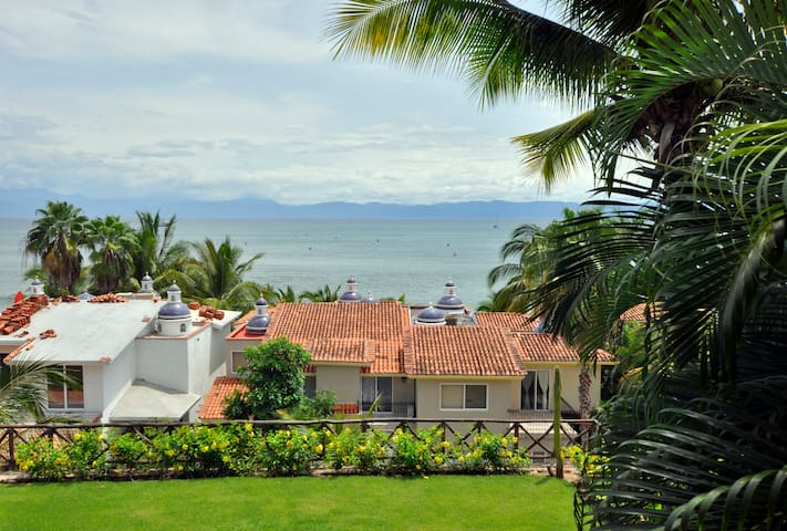Beach Villa With Breathtaking Ocean View