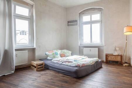Penthouse Kreuzberg (Hermannplatz) - กรุงเบอร์ลิน