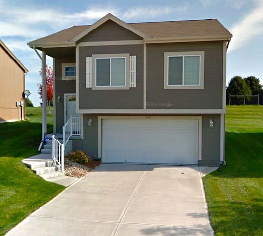 2 bed/2 bath home in W Omaha - Omaha - House
