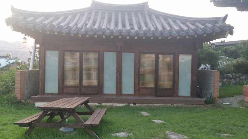 한옥독채(10평) - Gyeongju-si - Dom