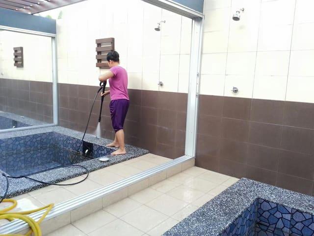 Rooms with Natural Hot Spring Pools - Semenyih - Bungalou