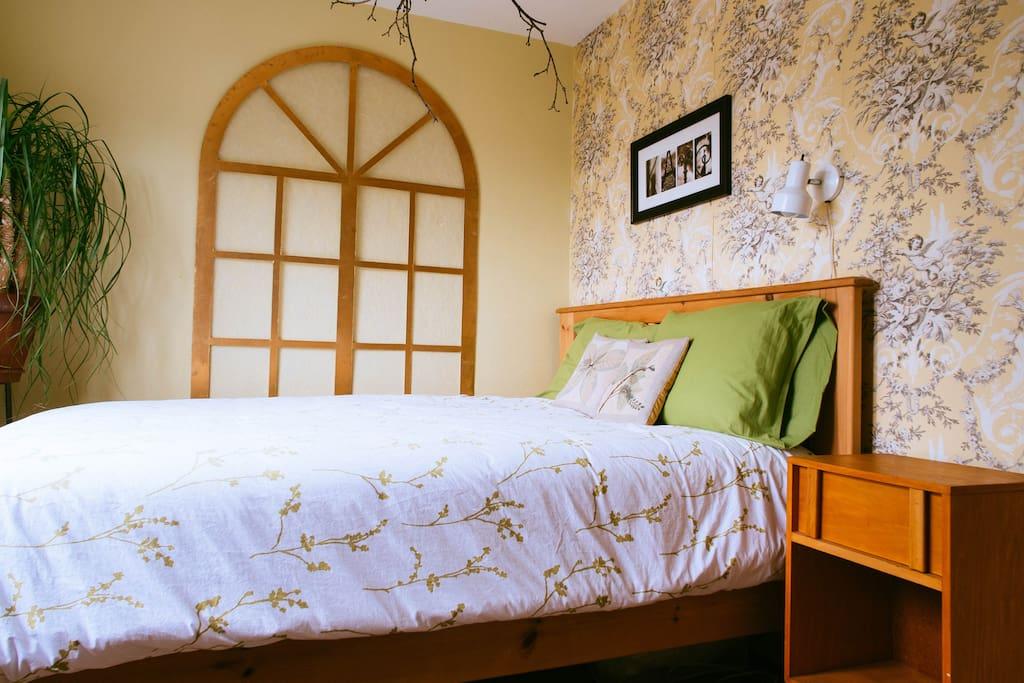 Room For Rent Beaches Toronto
