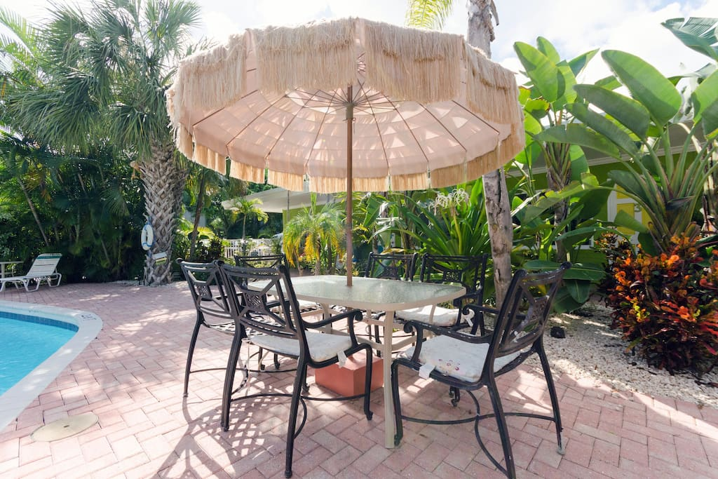 Coffee taste better in a tropical garden or add a fresh burger from the grill.