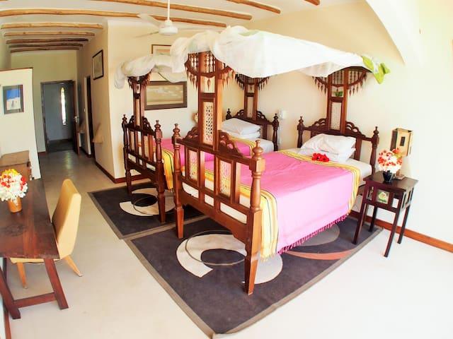 The Twin Room @ The Beach House