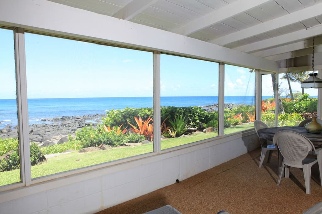 Enclosed screened in Lanai with unbelievable views !!