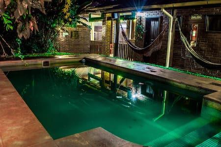Double bed room with swimming pool - Puerto Iguazú - Muu