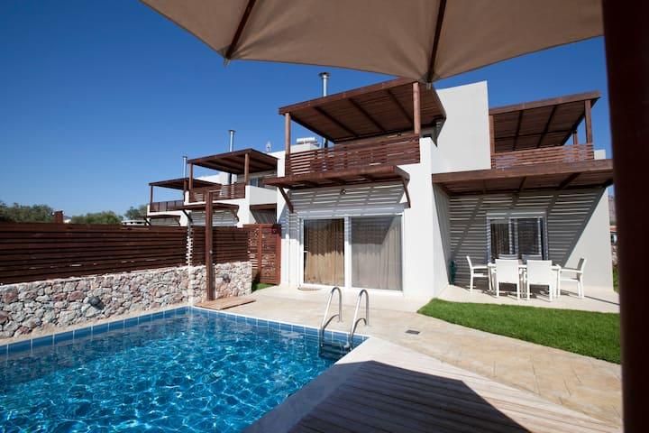 Amazing Pool Villas, 2 min to Haraki,10 to Lindos