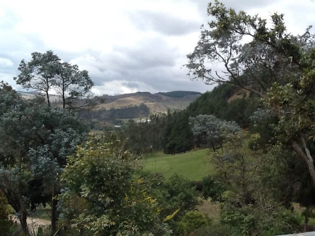 Finca de recreo a una hora de bogot - vereda Tilata - Villa