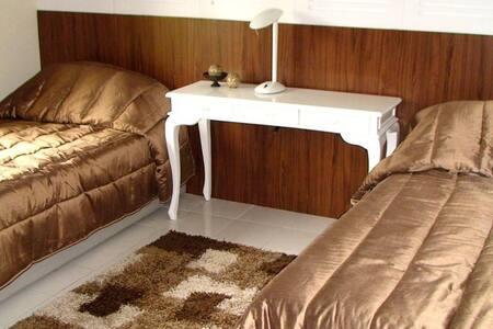 Room type: Entire home/apt Property type: Condominium Accommodates: 4 Bedrooms: 2 Bathrooms: 1