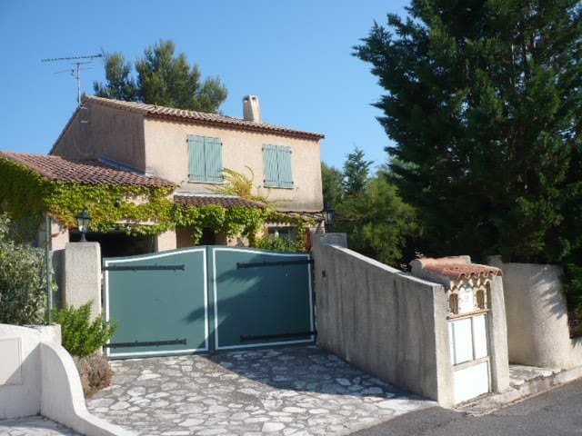 Holiday house in provence with pool