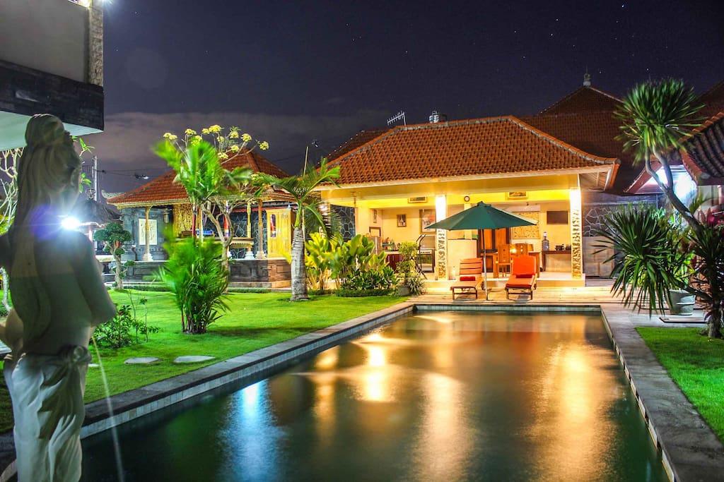 huge swimming pool , main view