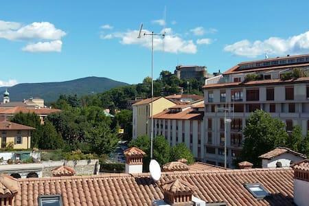 Attico centro vista castello - Gorizia - Andere