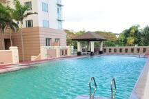 Swimming pool, jacuzzi