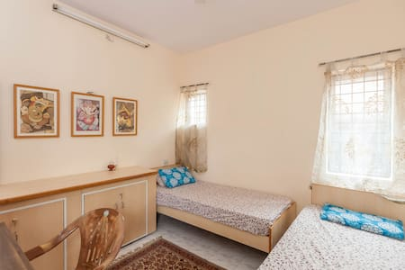 Attractive Room & gorgeous gazebo - Bangalore  - Rumah