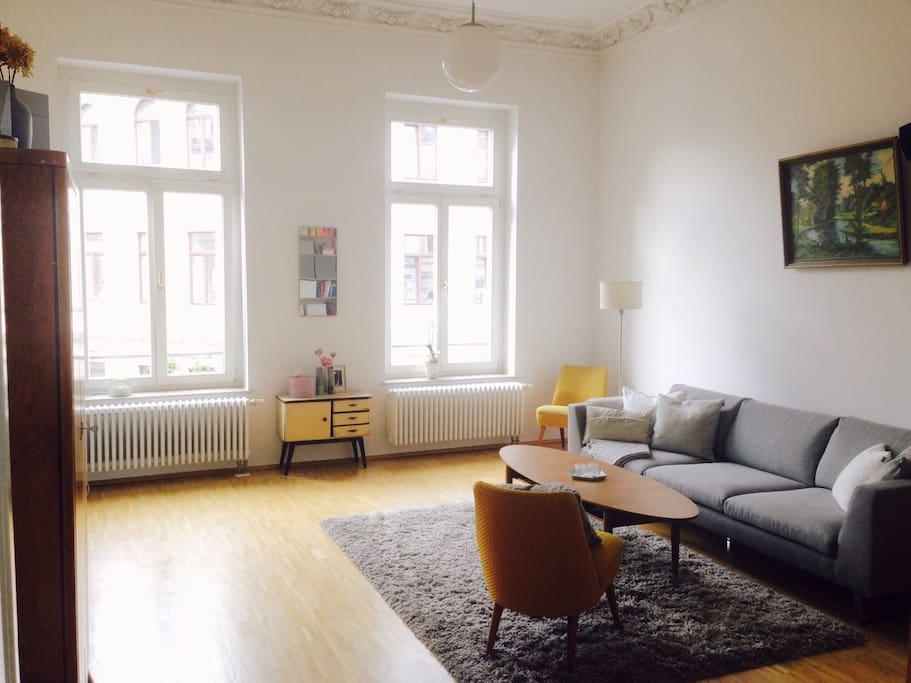 zimmer im zentrum altbau charme wohnungen zur miete in leipzig sachsen deutschland. Black Bedroom Furniture Sets. Home Design Ideas