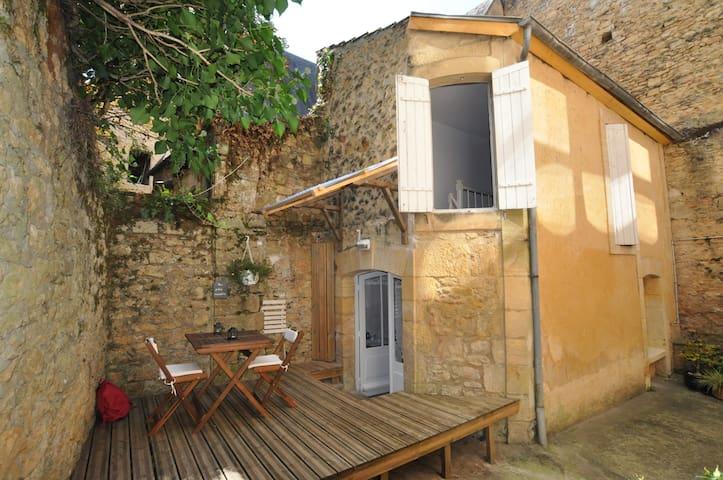 Petite maison, au coeur de la cité - Sarlat-la-Canéda - House