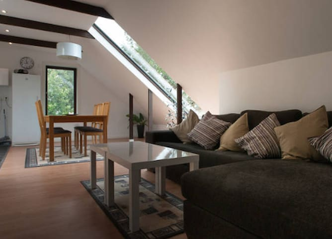 Beautiful home away from home, room 2 - Tyresö - Other