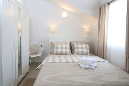 Standard double room Murvica - Supetar - ที่พักพร้อมอาหารเช้า