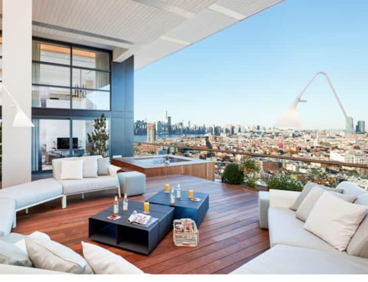 Ultra-Lux Williamsburg Penthouse w/ Full Rooftop!